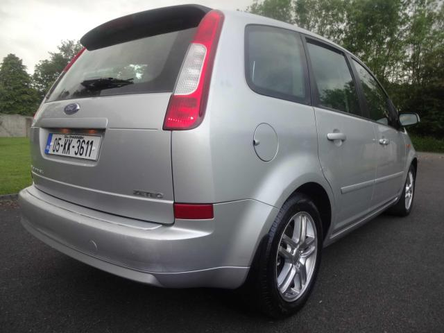2005 Ford Focus - Image 14