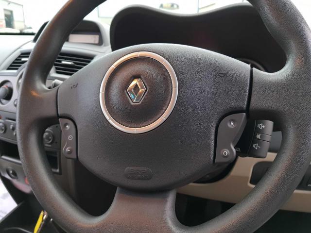 2009 Renault Megane - Image 30