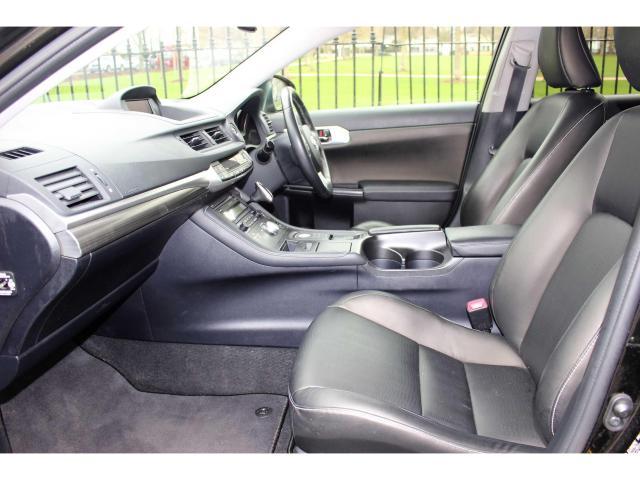 2013 Lexus CT 200h - Image 8