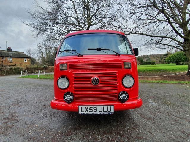 2011 Volkswagen Camper - Image 24