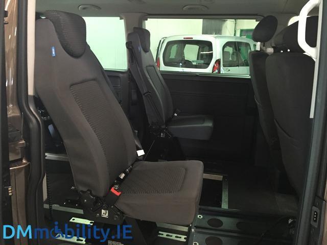 2013 Volkswagen Caravelle - Image 14