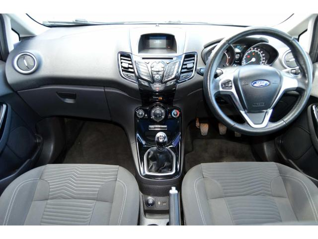 2015 Ford Fiesta - Image 6