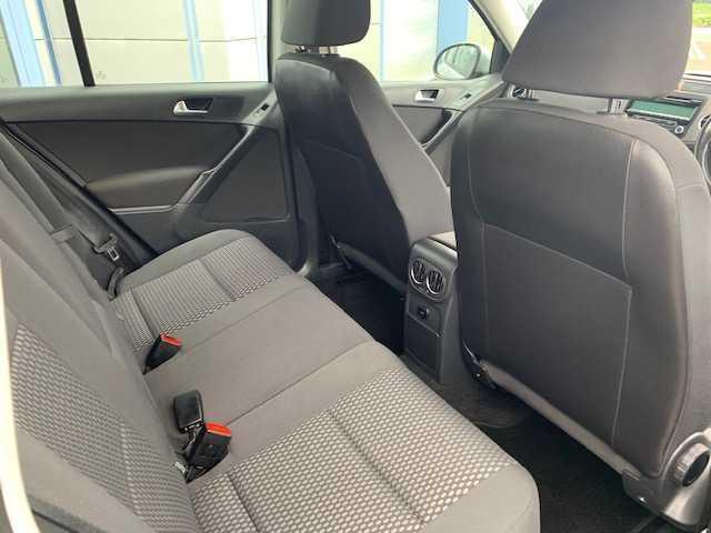 2011 Volkswagen Tiguan - Image 13