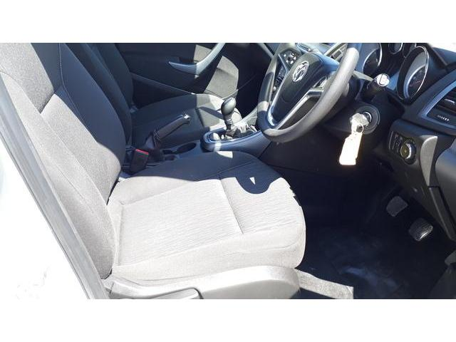 2013 Vauxhall Astra - Image 37