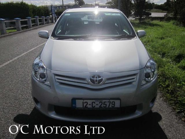 2012 Toyota Auris - Image 4