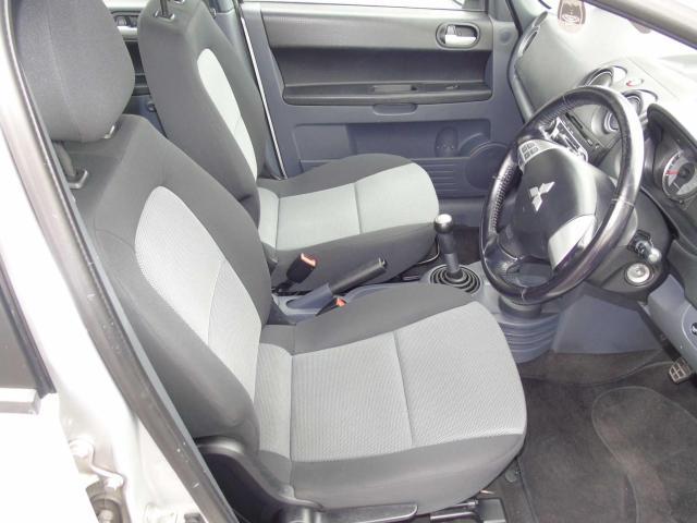 2011 Mitsubishi Colt - Image 11