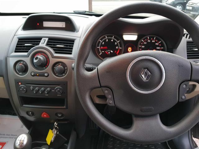 2009 Renault Megane - Image 16