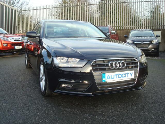 2014 Audi A4 SE TECHNIK 136PS 2.0TDIE
