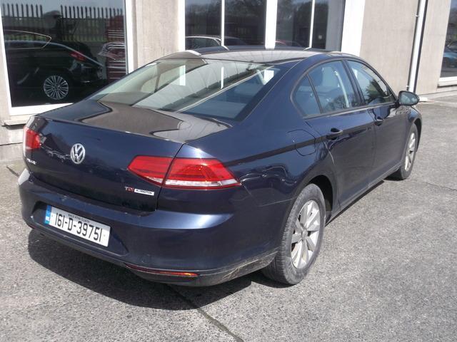 2016 Volkswagen Passat - Image 2
