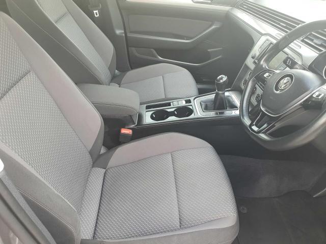 2017 Volkswagen Passat - Image 36
