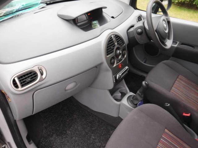 2008 Renault Modus - Image 13