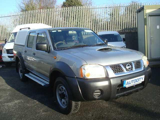 2002 Nissan 100 NX Pathfinder Double CAB