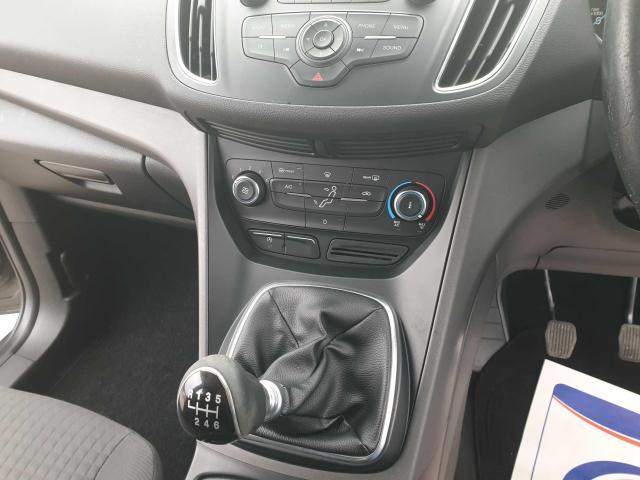 2015 Ford C-Max - Image 42
