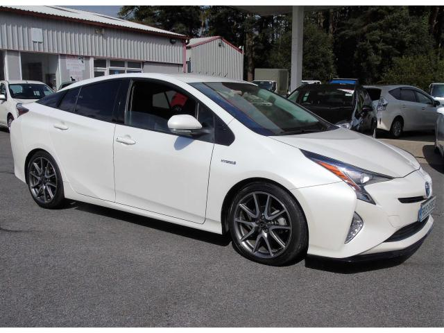 2016 Toyota Prius - Image 1
