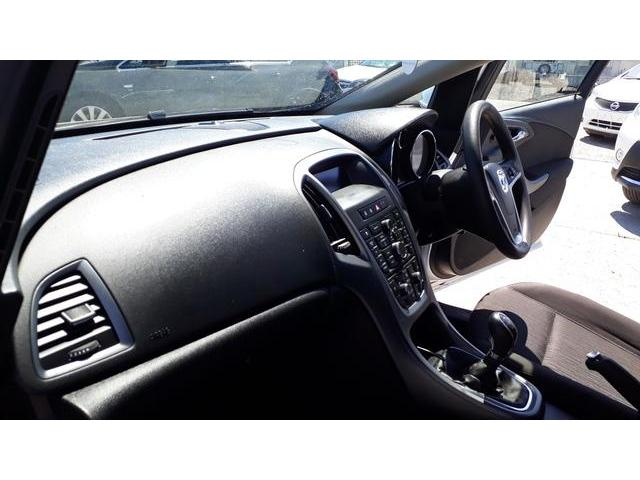 2013 Vauxhall Astra - Image 33