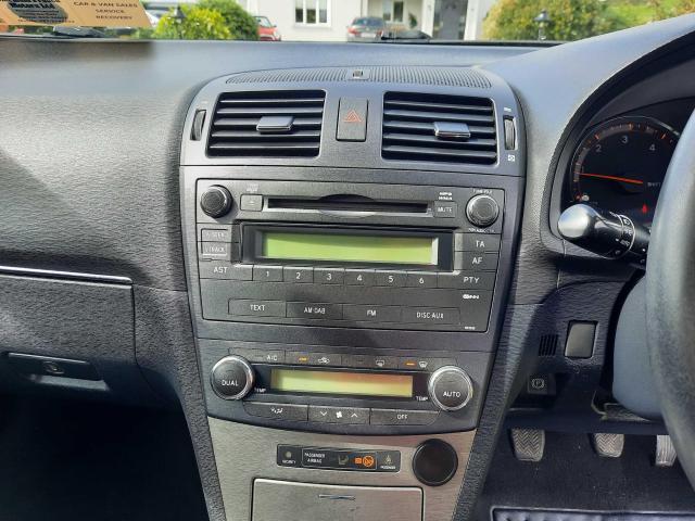 2010 Toyota Avensis - Image 9