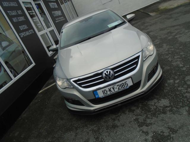 2010 Volkswagen Passat - Image 9
