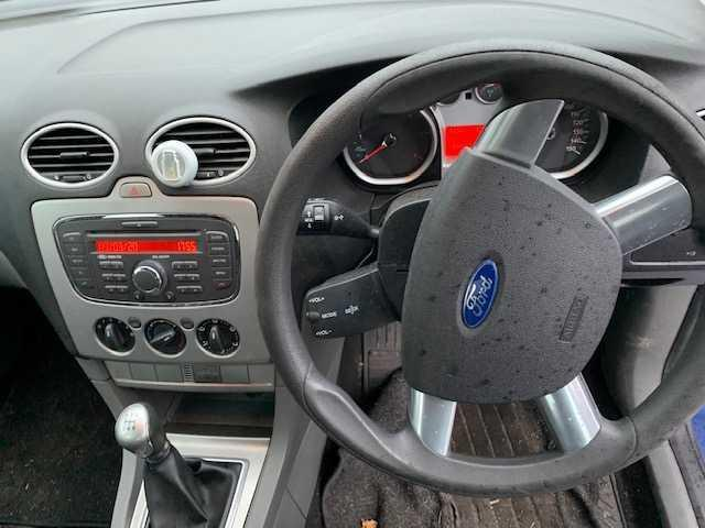 2009 Ford Focus - Image 10