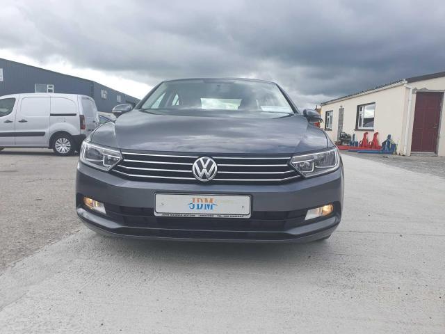 2017 Volkswagen Passat - Image 19