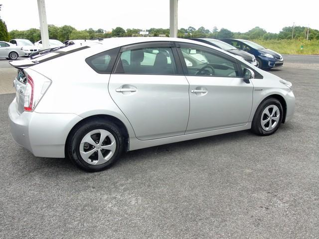 2013 Toyota Prius - Image 14