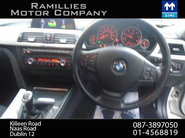 2012 BMW 3 Series - Image 13