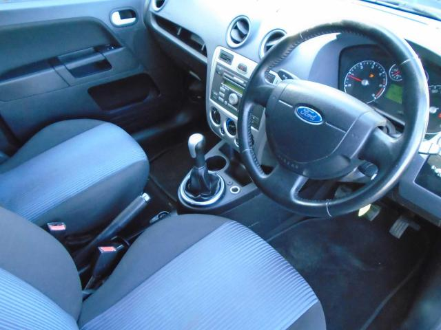 2009 Ford Fusion - Image 8