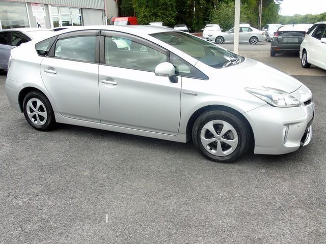 2013 Toyota Prius - Image 15