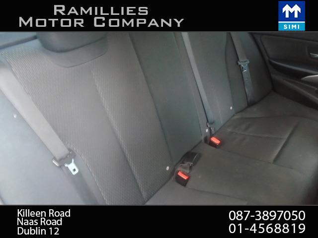 2012 BMW 3 Series - Image 23