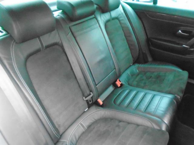 2010 Volkswagen Passat - Image 16