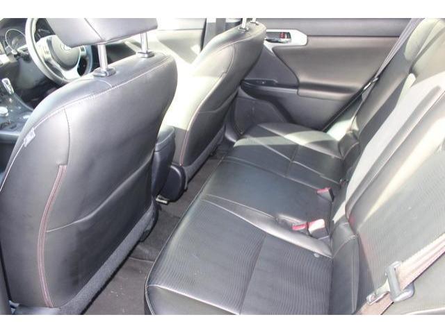 2013 Lexus CT 200h - Image 10