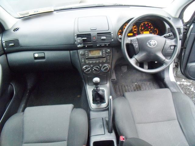 2008 Toyota Avensis - Image 2