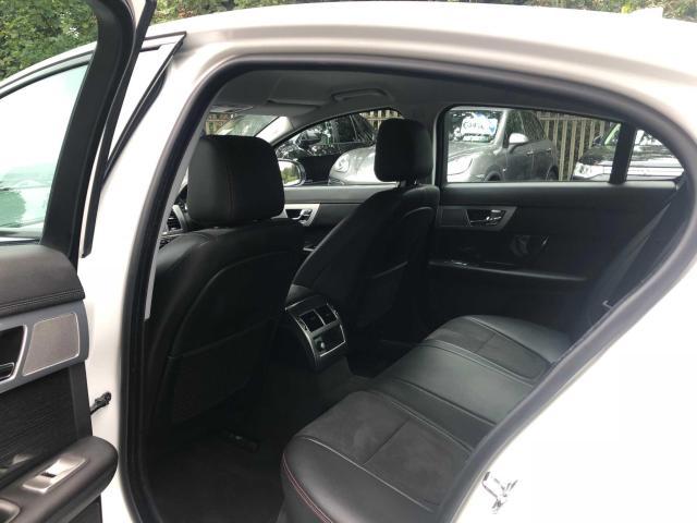 2015 Jaguar XF - Image 19