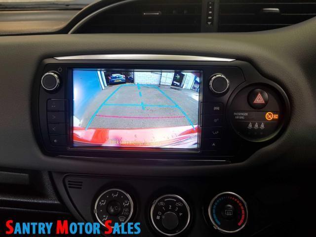 2014 Toyota Yaris - Image 8