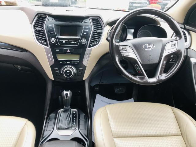 2014 Hyundai Santa Fe - Image 11