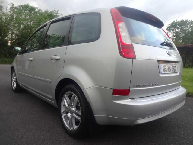2005 Ford Focus - Image 13