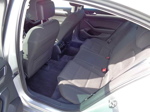 2015 Volkswagen Passat - Image 5