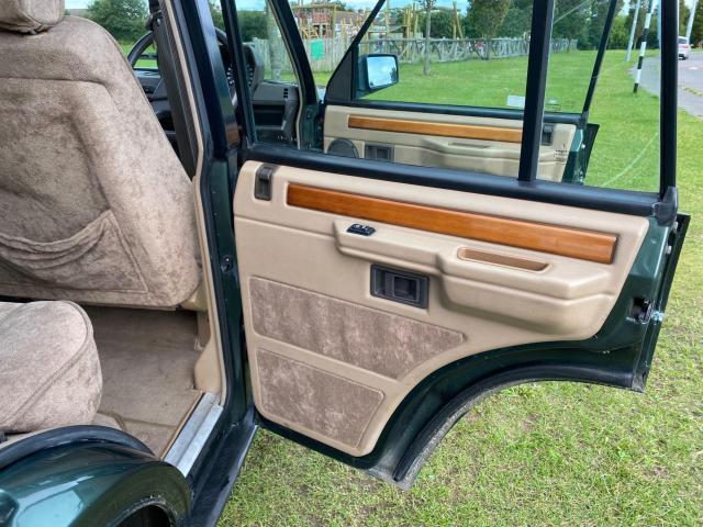 1992 Land Rover Range Rover - Image 25