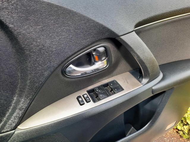 2010 Toyota Avensis - Image 15