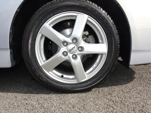 2015 Toyota Prius - Image 11