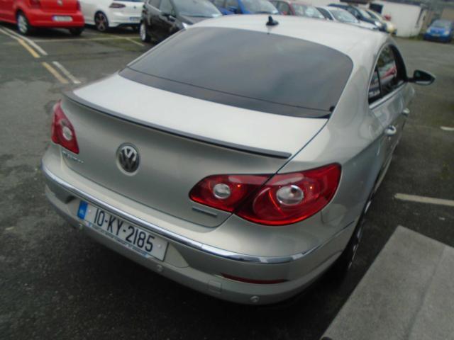 2010 Volkswagen Passat - Image 3