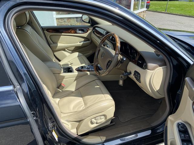 2006 Jaguar XJ6 - Image 9