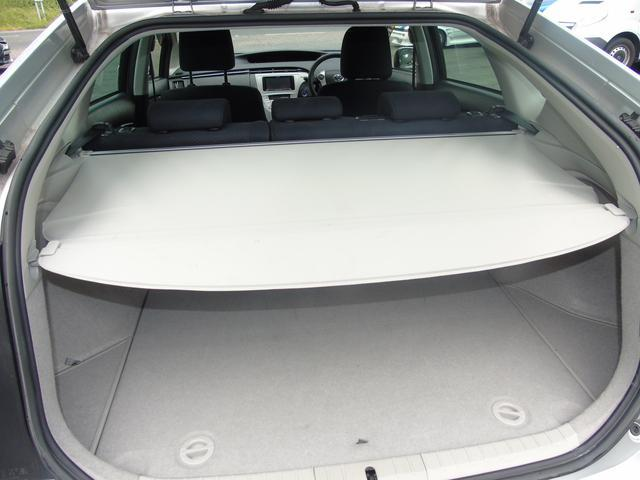 2013 Toyota Prius - Image 11