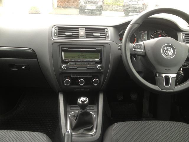 2013 Volkswagen Jetta - Image 13