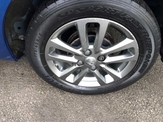 2015 Toyota Yaris - Image 12