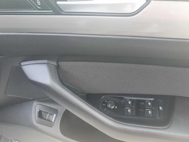 2017 Volkswagen Passat - Image 37