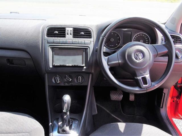 2012 Volkswagen Polo - Image 9