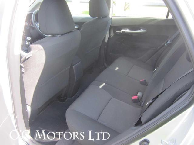 2012 Toyota Auris - Image 8