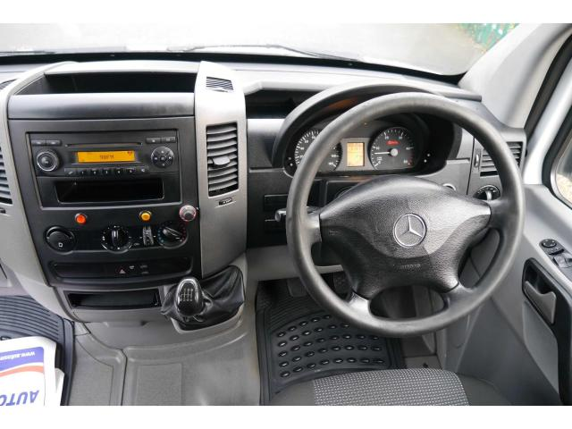2011 Mercedes-Benz Sprinter - Image 11