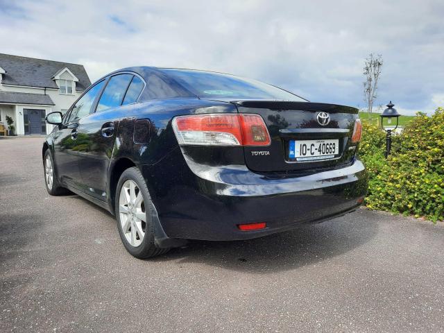 2010 Toyota Avensis - Image 2