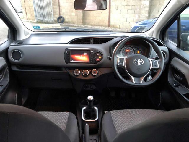 2015 Toyota Yaris - Image 7